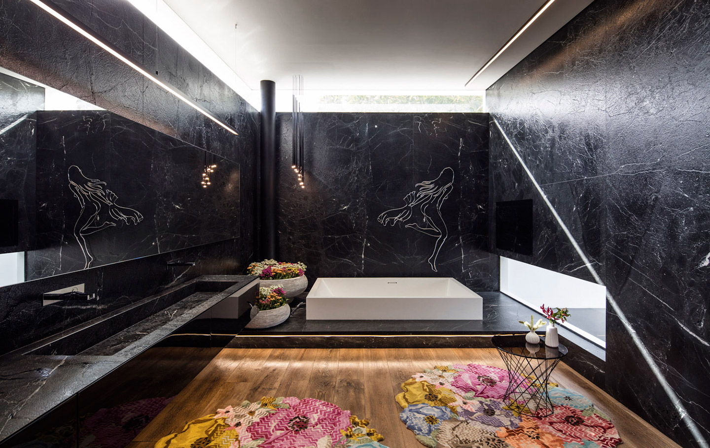 A Most Extraordinary Home - Bathroom