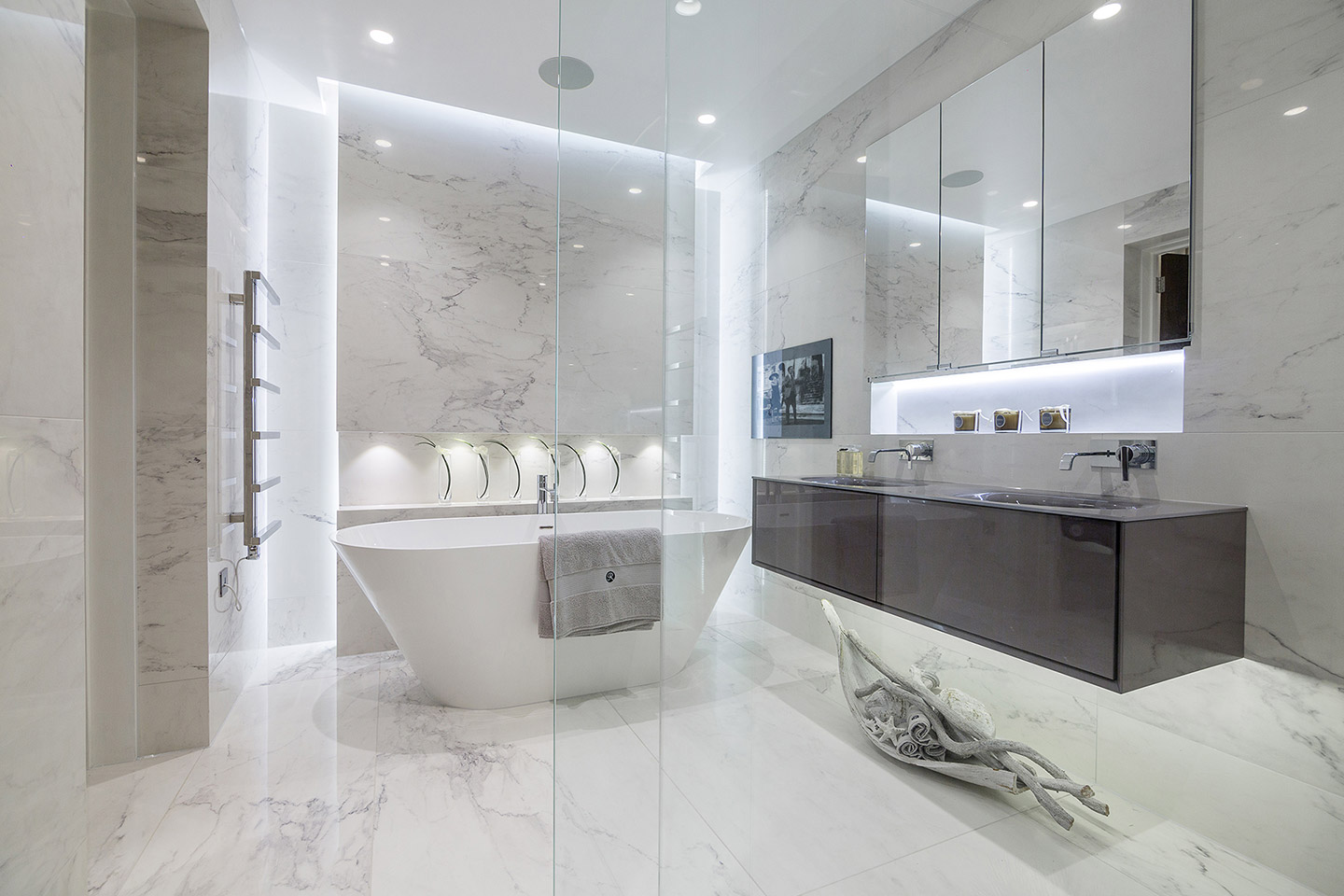 Luxury Bathrooms - Hadley Wood, London | Tiles & Baths Direct