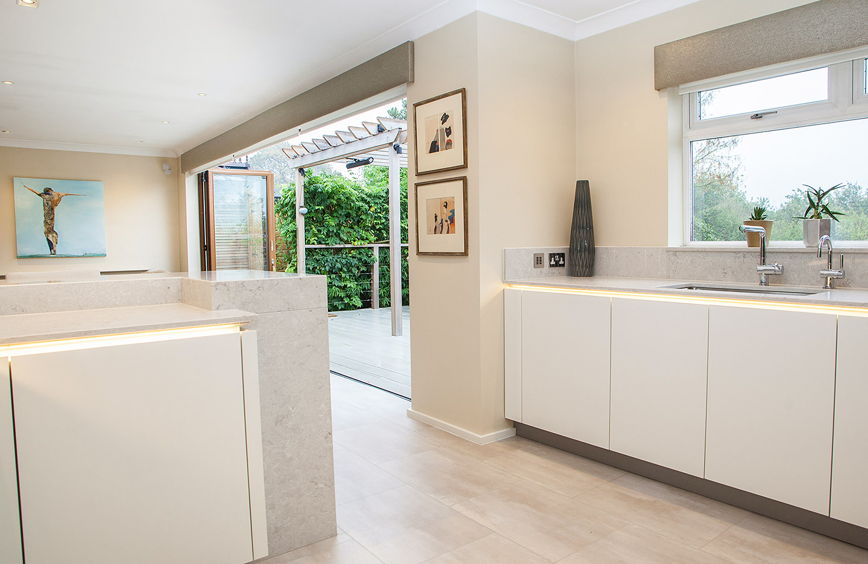 White Lacquered Hacker Kitchen   Tiles & Baths Direct