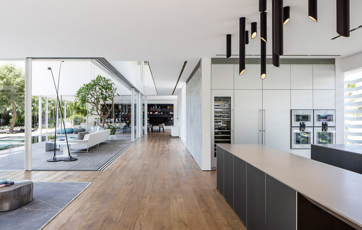 A Most Extraordinary Home - Kitchen